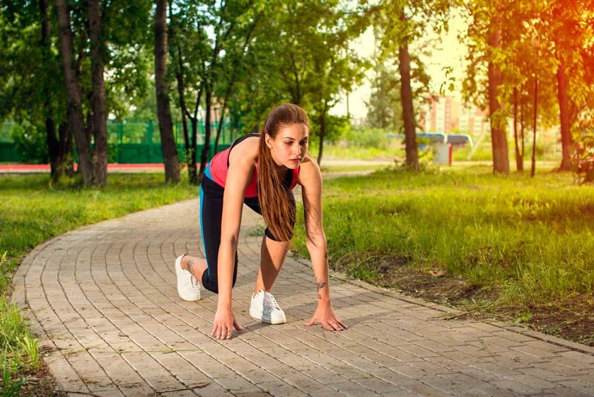 chica-corriendo-hacer-ejercicio