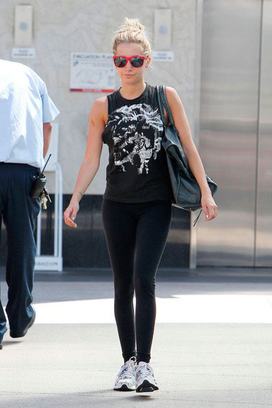 ashley-tisdale-outfit