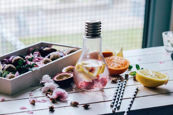 Infusiones de frutas y verduras con agua