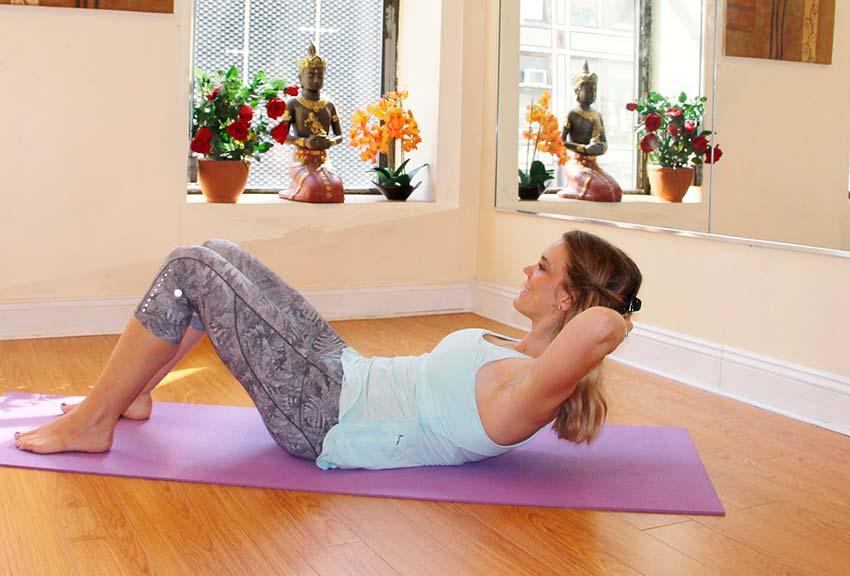 ejercicios-de-fuerza-en-casa-abdominales