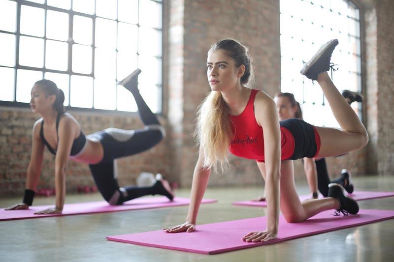 ejercicios-para-reducir-caderas-estiramiento