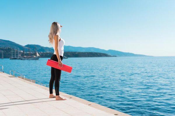 ejercicios-para-reducir-cintura-mujer-cuerpo-preparado-playa